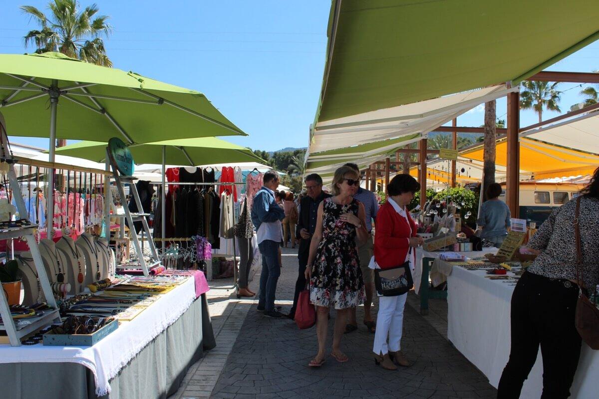 Mercadillo artesanal en Rin Ran Market